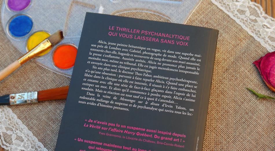 """Résumé et critique du roman à suspens """"Dans son silence""""."""